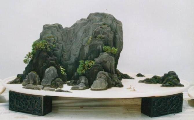 山水盆景的制作布局应注意哪些方面?
