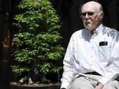 Lew Buller在59岁时发现了圣地亚哥盆景俱乐部