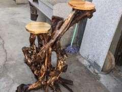 用榆树下山桩制作了一个花架 怎么样